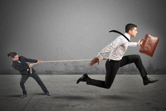 Hai nhóm yếu tố quan trọng nhất để giữ chân người tài