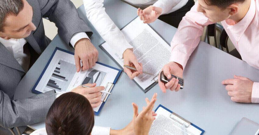 Vai trò của giám đốc điều hành khi khủng hoảng nội bộ